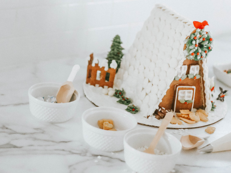 DIY-gingerbread-house-1