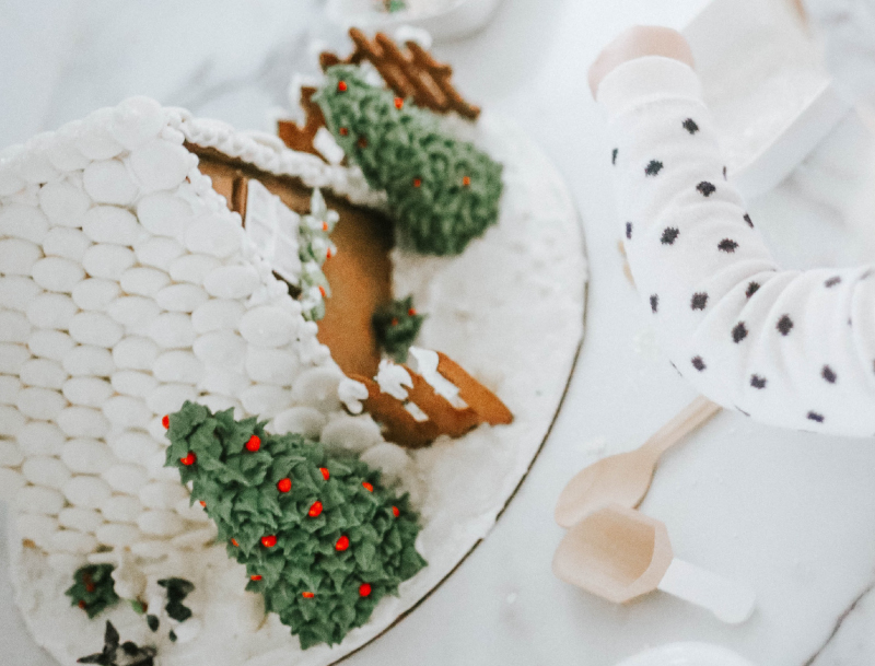 DIY-gingerbread-house-2
